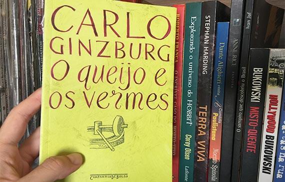 Capa do livro o queijo e os vermes